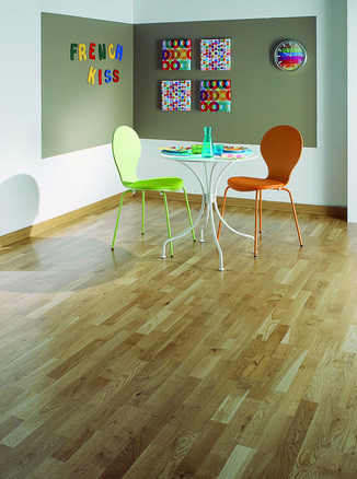 PARQUET CHENE ORFEO CLIC 11MM TRADITIONSATINE LARG 139MM PAREMENT 2,5MM BORDSDROITS SUPPORT HDF LONG 1500MM VERNI